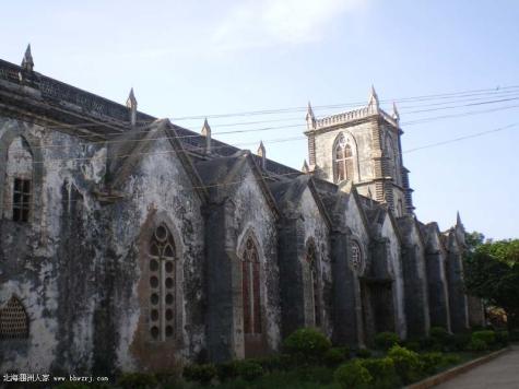 > 新闻浏览       涠洲岛天主教堂是法国文艺复兴时期哥特式建筑