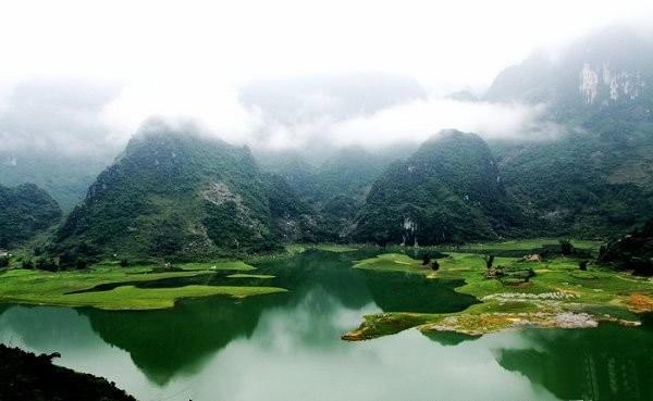 广西百色浩坤湖旅游景区开发项目